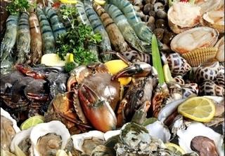 8 điều phải nhớ khi ăn hải sản để không bị đau bụng khi đi du lịch