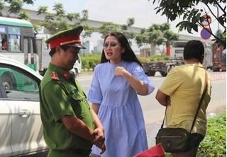 Diễn viên Ngọc Lan lớn tiếng với cảnh sát giao thông sau khi lái xe quá tốc độ