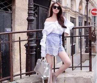 Các tiểu thư hội con nhà giàu Việt đang khoe gì trên mạng xã hội?