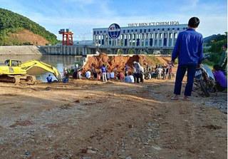 Vụ sập cầu ở Tuyên Quang: Đã xác định được nguyên nhân và đang khẩn trương tìm kiếm 3 nạn nhân