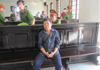 Hoãn phiên tòa xử vụ án ông nội hiếp dâm cháu gái 11 tuổi