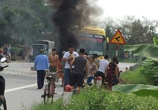 Người phụ nữ bơm bật lửa dạo bị bỏng nặng do nổ bình ga mini khi va chạm giao thông