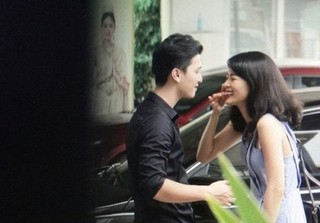 Chia tay Cường Đô La, Hạ Vi đang hẹn hò với Huỳnh Anh?