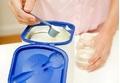 Pha sữa bột cho bé theo cách đúng chuẩn này, đảm bảo còn nguyên chất dinh dưỡng