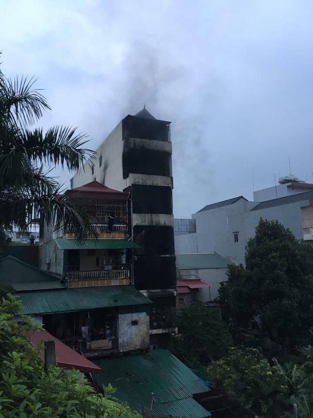 Cháy nhà 5 tầng ở Chương Mỹ lúc rạng sáng, hai bé gái tử vong