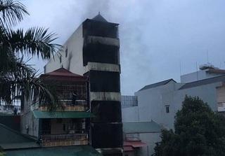 Cháy nhà 5 tầng lúc rạng sáng, hai bé gái tử vong