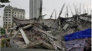Hà Nội: Trường mầm non đang xây dựng đổ sập trong đêm