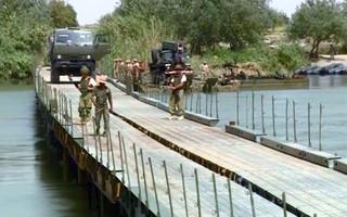 Quân đội Nga bắc cầu qua sông, Syria chiếm thêm thị trấn ở Deir Ezzor