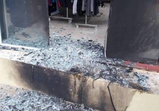 Nghệ An: Căn nhà cháy dữ dội trong đêm vì bị kẻ xấu ném
