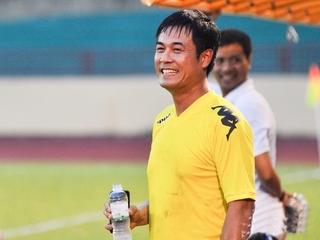 Chia tay đội tuyển Việt Nam, cuộc sống của HLV Hữu Thắng giờ ra sao?