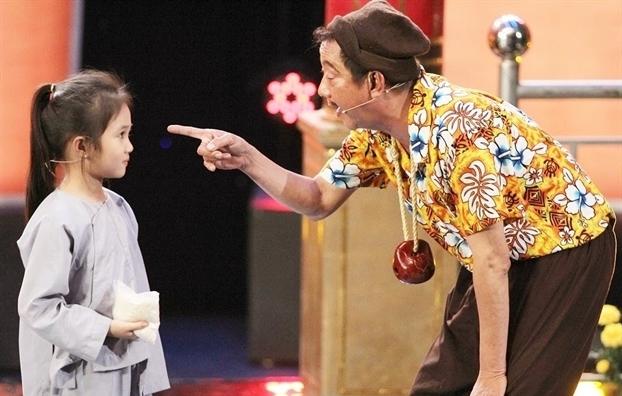 Khánh Nam nhận đỡ đầu con gái