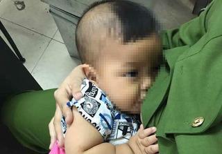 Hà Nội: Nữ chiến sĩ công an cho bé trai bị bỏ rơi bú gây bão mạng