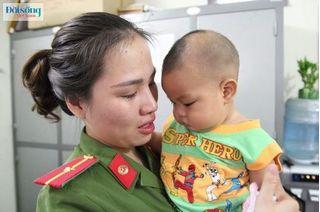 Bé trai 7 tháng tuổi bị bỏ rơi trong nhà nghỉ: