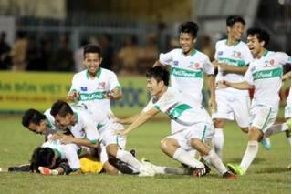 CLB Hoàng Anh Gia Lai có HLV mới từng dự World Cup