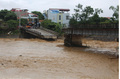 Lũ lớn ở Yên Bái: Cầu sông Thia bị sập cuốn trôi 6 người