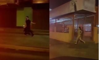 Cô gái khỏa thân chạy bộ với tốc độ kinh hoàng đuổi theo người bạn trai phản bội