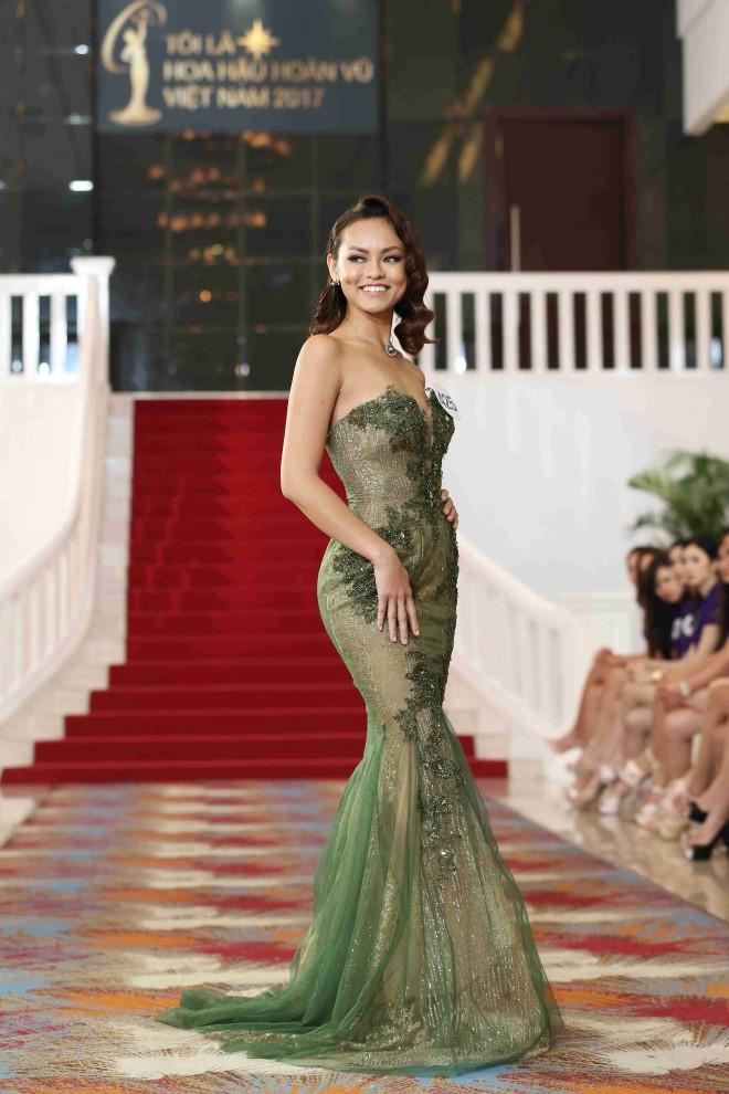 Mai Ngô tại cuộc thi Hoa hậu Hoàn vũ Việt Nam 2017