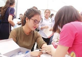 500 cán bộ công nhân viên Công ty DeAura tham gia hiến máu