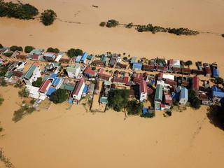 68 người chết, 34 người vẫn còn mất tích sau trận mưa lũ vừa qua