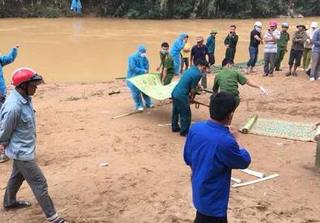 Tìm thấy một thi thể nghi chiến sĩ biên phòng mất tích trong mưa lũ ở Thanh Hóa?