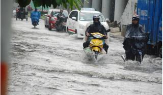 Có siêu máy bơm nhưng đường Nguyễn Hữu Cảnh vẫn ngập nước