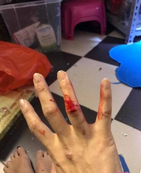 Lộ clip Xuân Bắc đánh vợ, tay chân rớm máu, gào khóc mắng Kim Oanh?