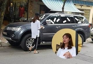 Mẹ cô gái dán băng vệ sinh lên xe ô tô: