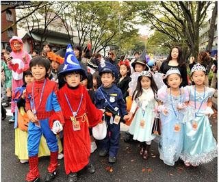 Gợi ý cho mẹ cách hóa trang Halloween đơn giản cho bé