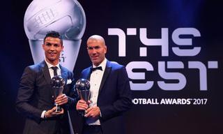 Thầy trò C.Ronaldo thắng lớn tại lễ trao giải thưởng của FIFA