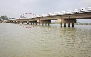Quảng Nam: Hai nhịp cầu bị sụt lún, biến dạng gần nửa mét