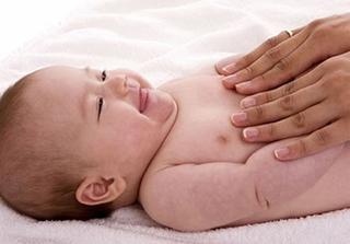 Cách massage giúp bé ăn ngon, ngủ ngoan và tăng cân đều đặn