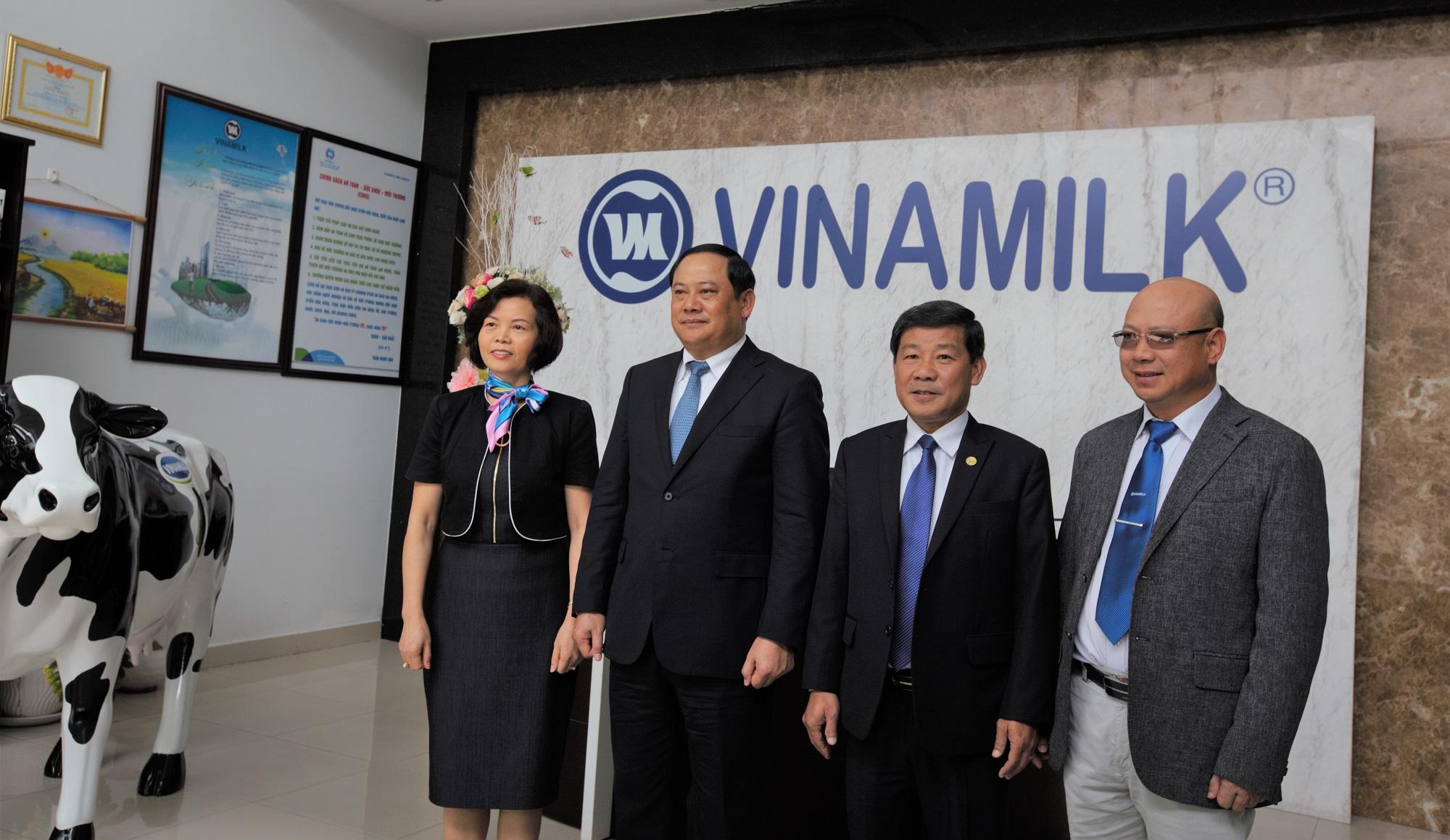 Vinamilk, Phó Thủ tướng Lào