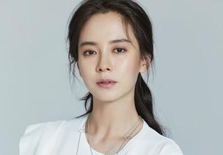 Đây chính là lý do Song Ji Hyo vắng mặt và dàn sao hạng A bỏ về sớm tại siêu đám cưới Song Song