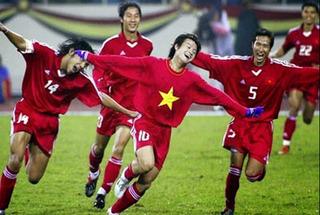Bất ngờ với  10 cầu thủ Việt Nam hay nhất do báo châu Á bình chọn
