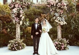 Những mối tình thần tượng cưới fan hâm mộ đẹp như chuyện tình Song Hye Kyo và Song Joong Ki