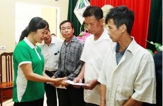 Vinamilk tặng 400 triệu đồng cho người dân vùng lũ ở Hà Nội