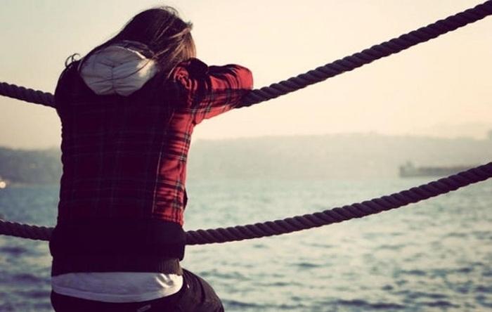 Đừng vì sợ cô đơn mà vội nắm tay một người rồi vội vã lấy chồng