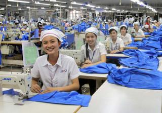 Mức lương hưu theo BHXH được kiến nghị sửa đổi để có lợi cho lao động nữ