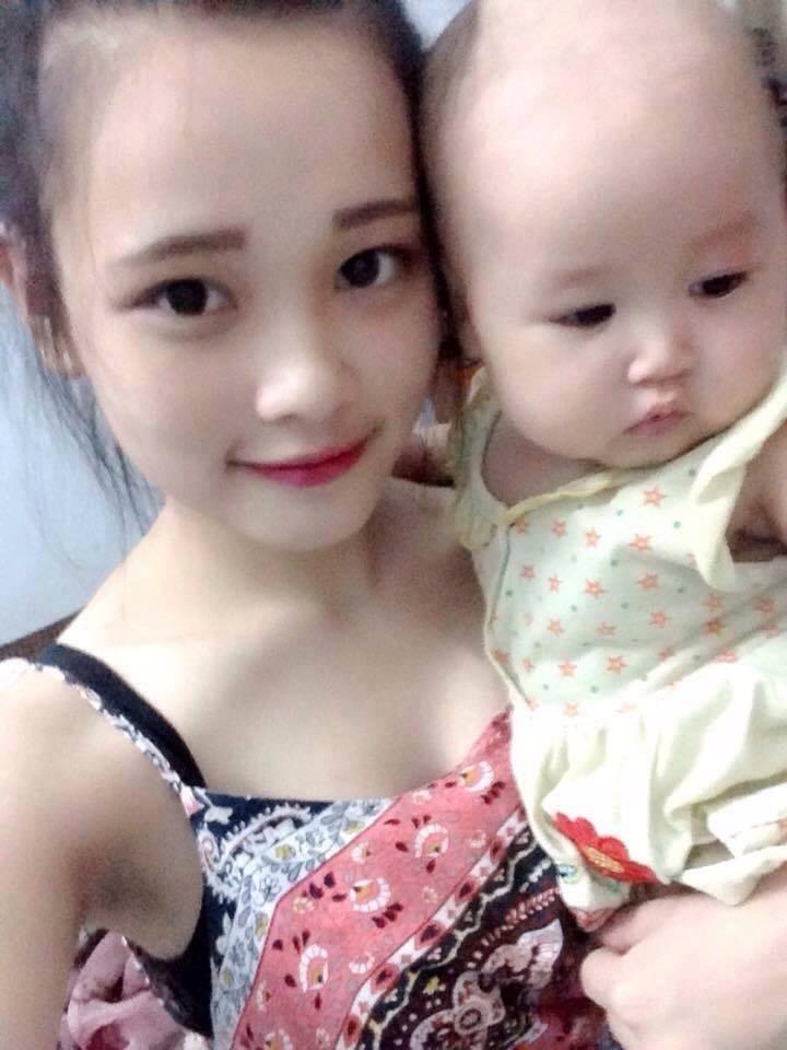 Người mẹ trẻ xinh đẹp và con gái 8 tháng tuổi mất tích
