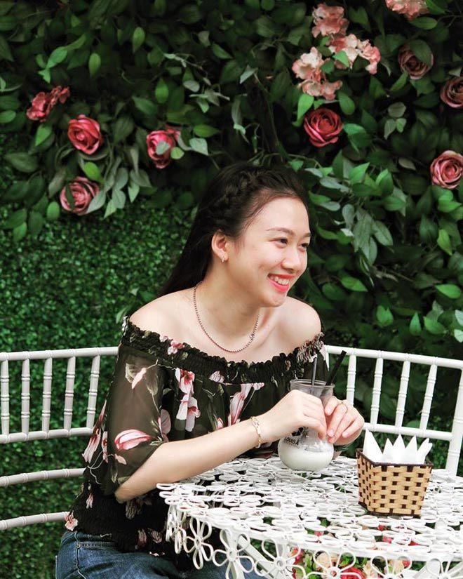 Ngắm nhan sắc xinh đẹp của cô gái tặng hoa Thủ tướng Canada6