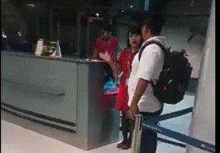 Nữ nhân viên xé vé hành khách vì vào cửa muộn, lãnh đạo VietJet Air nói gì?