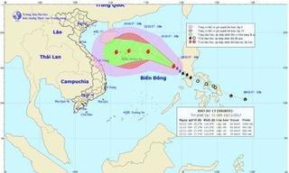 Cơn bão số 13 tiến nhanh trên biển Đông, sức gió giật cấp 10