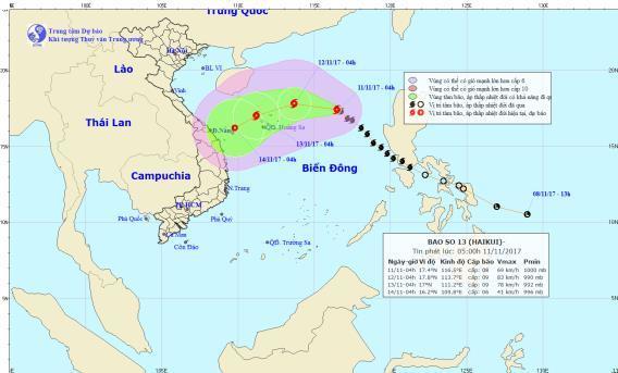 Cơn bão số 13 thẳng tiến vào miền Trung