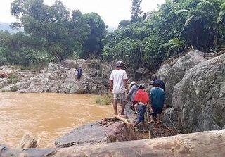Quảng Nam: Tìm thấy thi thể nạn nhân thứ 2 trong vụ lở núi