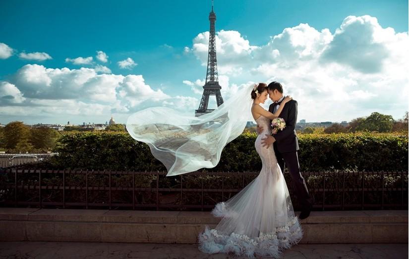 Nữ hoàng sắc đẹp toàn cầu Ngọc Duyên và đại gia bất động sản khoe ảnh cưới lãng mạn tại Pháp