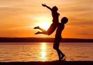 Cặp đôi yêu nhau lâu, hãy làm ngay những điều này để tình yêu không bao giờ nguội lạnh
