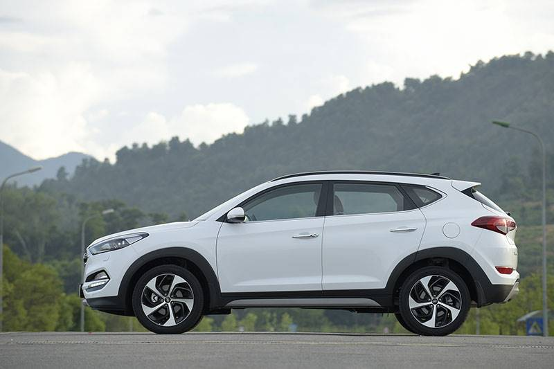 Huyndai Tucson giảm sốc chỉ 760 triệu so găng Honda CRV - 7