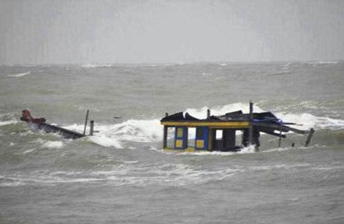 Chìm tàu đánh cá ở đảo Cô Tô khiến 1 thuyền viên mất tích