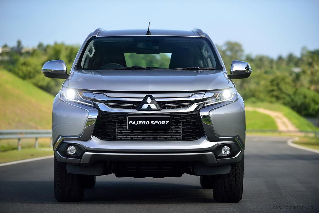 Xe ô tô nhập khẩu năm 2018 khó giảm giá như mong đợi