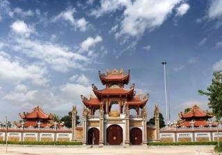 Choáng ngợp ngôi nhà thờ họ trăm tỷ ở Nghệ An